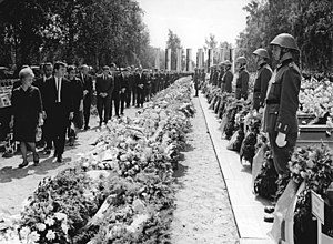 Langenweddingen level crossing disaster - The funeral service and burial of the victims, 11 July 1967