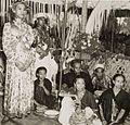 COLLECTIE TROPENMUSEUM Kroning van de Raja van Goa TMnr 60052126.jpg