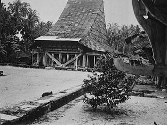 Batu Islands - Barujulasar council house on Telo island (1922)