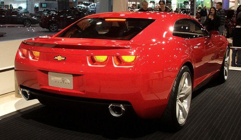 [Bild: 800px-Camaro_concept_red_rear.jpg]