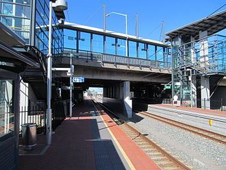 Canning Bridge railway station - Southbound view from Platform 1 in May 2012