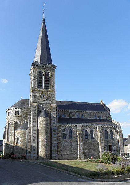Église Saint-Jean-Baptiste de Carelles (53). Flanc sud.