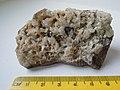 Cassiterite SnO2, quartz SiO2 (13403363375).jpg
