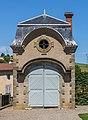 Castle of Parentignat 01.jpg