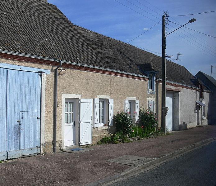 Maisons à Chéry (Cher), sur la route de Lury