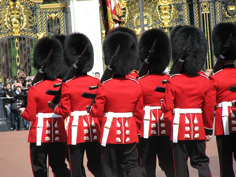 File:Changing of the Guard, Buckingham Palace.jpg