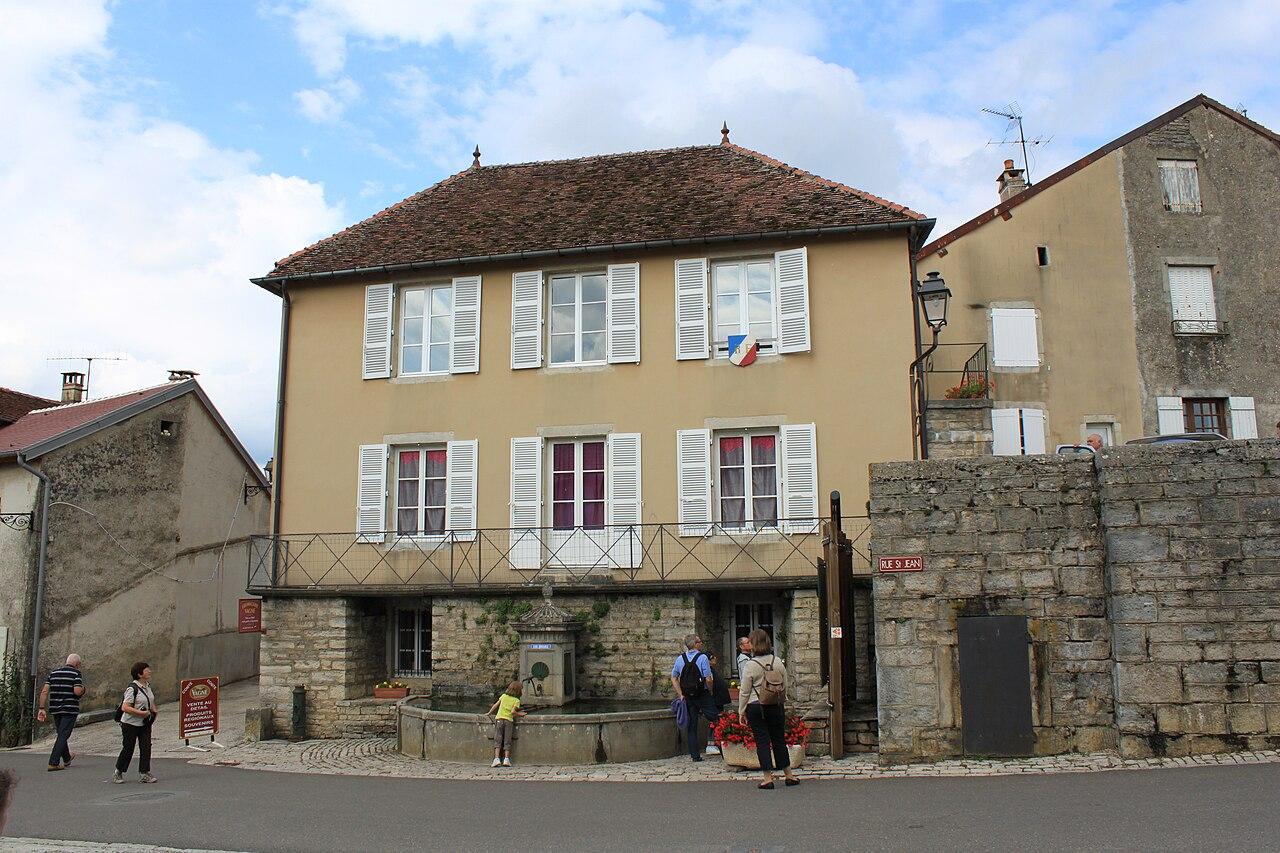 Chateau-Chalon - Mairie.JPG