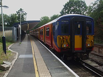 Chessington South railway station - Image: Chessington South stn look south