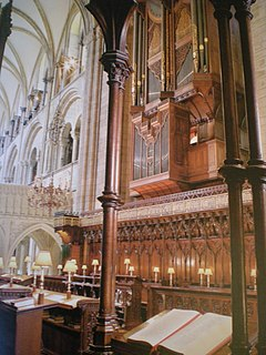 Organs and organists of Chichester Cathedral Overview Article of the Wikipedia