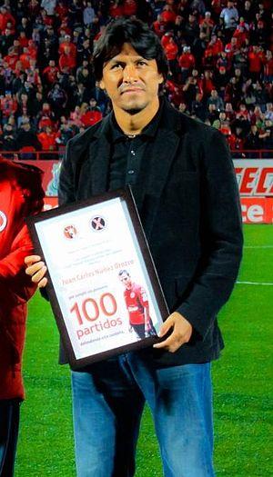 Claudio Suárez - Suárez presenting an award at Club Tijuana in 2012