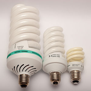 Compact fluorescent lamp - Comparison of compact fluorescent lamp with 105 W, 36 W, and 11 W power consumption