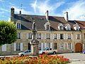 Crépy-en-Valois (60), maison XVIIIe siècle, 23 et 25 place Gambetta.jpg