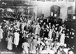 Crowd at Pier 54 awaiting Carpathia arrival 1912.jpg