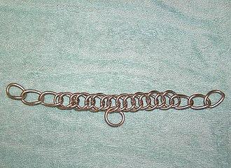 Curb chain - An English-style curb chain