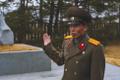 DPRK - A pesar de su seriedad, yo sabía que en el fondo una sonrisa le podría sacar (26052983187).png