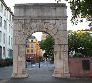 Landesmuseum Mainz - A facsimile of the museum's Dativius Victor Arch (3rd century) on Ernst-Ludwig-Platz, Mainz.