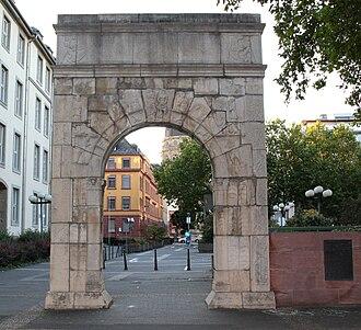 Landesmuseum Mainz - A facsimile of the museum's Dativius Victor Arch (3rd century) on Ernst-Ludwig-Platz, Mainz.