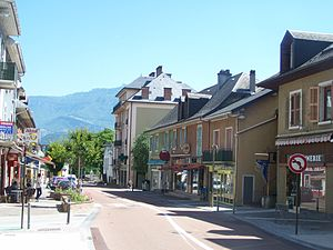Cognin - Route nationale 6 in Cognin centre.