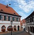 """Das Alte Rathaus dient seit 1997 als """"Haus der Vereine"""". - panoramio.jpg"""