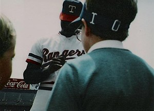 Dave Stewart (baseball) - Dave Stewart signing autographs at Texas Rangers/Eckerd Drug Camera Day at Arlington Stadium on Sunday, April 28, 1985.