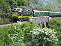 Deltic D9009 Alycidon at Corfe Castle on Swanage Railway (5950769107).jpg