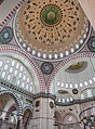 Detalle del interior de la Mezquita de Suleimán, Estambul. (40906375362).jpg