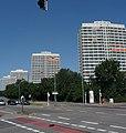 Die vier imposanten Hochhäuser an der Froschlache wurden 1966 gebaut und waren mit 21 Wohngeschossen die höchsten Wohnhäuser der Stadt. - panoramio.jpg