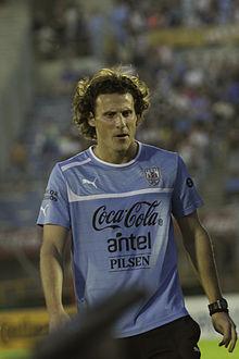 Diego Forlan against Colombia.jpg