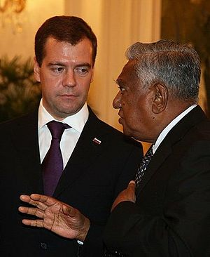 President of Singapore - President S.R. Nathan speaking to Russian President Dmitry Medvedev during the latter's visit to Singapore in 2009