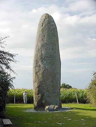 Dol-de-Bretagne - The Dol de Bretagne menhir has an estimated weight of 125 to 150 tons