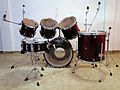Drumset without cymbals (8633266685).jpg