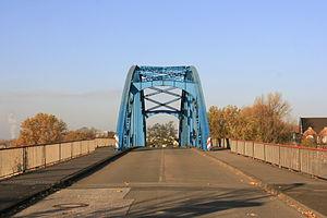 Duisburg - Dammstraße - Brücke 01 ies.jpg