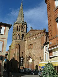The centre of Muret with Saint Jacques Church and its octagonal medieval tower