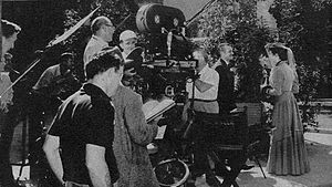 Carrie (1952 film) - Set photo with camera and sound technicians.