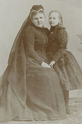 Emma of Waldeck and Pyrmont - Emma and Wilhelmina in 1890