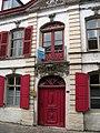 Esquelbecq - Maison du Chevalier de Guernonval (2).JPG