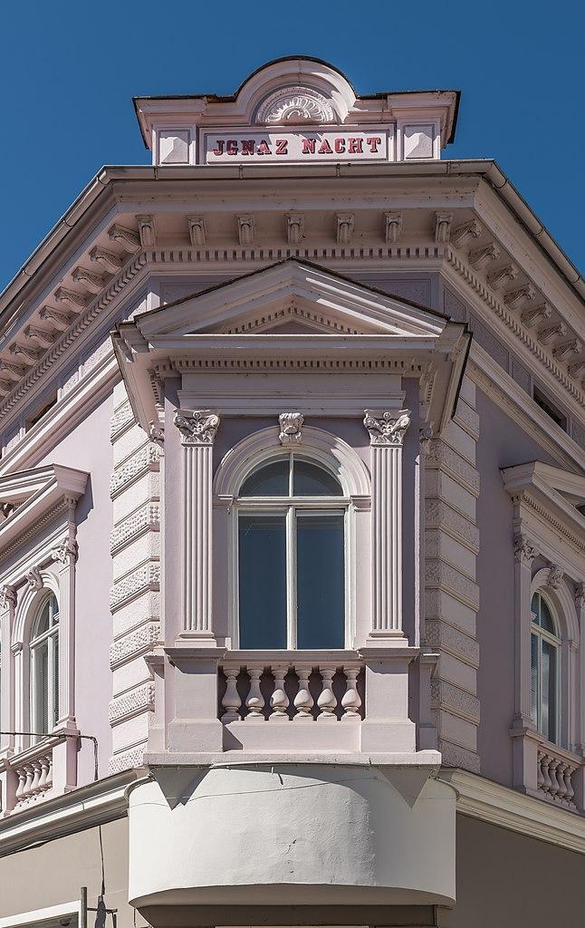 eckfenster filefeldkirchen hauptplatz 1 ignaz nacht biedermeierhaus 28062016 2966jpg gardinenstange