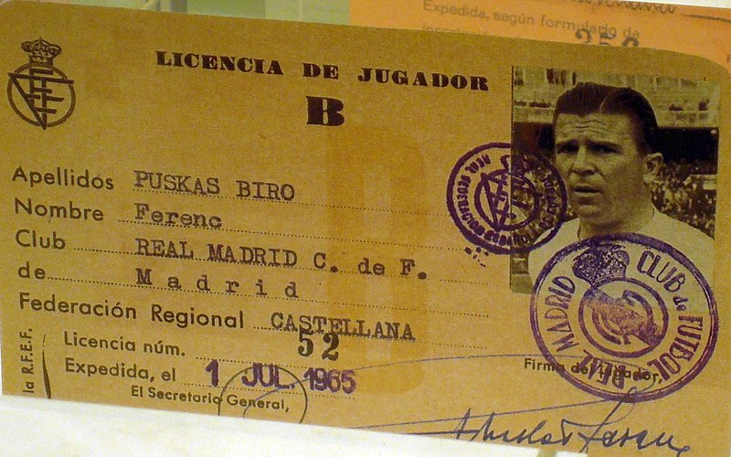 Bestand:Ferenc Puskas player licence.jpg