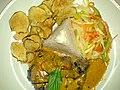 Flickr - cyclonebill - Oksemørbrad med karry, grøntsager, ris og jordskokchips.jpg