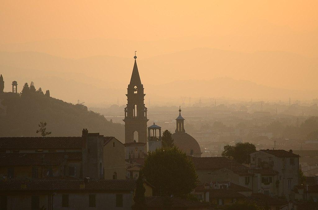 Piazzale Michelangelo al tramonto, con veduta della Basilica Santo Spirito and Santa Maria della Carmine
