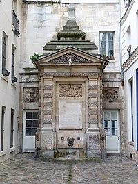 Fontaine de Jarente.jpg