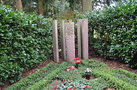 Frankfurt, Hauptfriedhof, Grab II Rudi Arndt (1).JPG