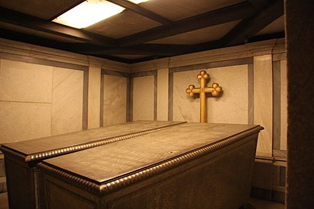 The crypt containing the Sarcophagi of Frederick William IV and his wife Elisabeth Ludovika of Bavaria in the Church of Peace, Sanssouci Park in Potsdam Friedenskirche potsdam sarkophag2.jpg