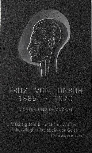 Fritz von Unruh - Memorial plate.