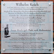 a steel plaque etched with several paragraphs in German