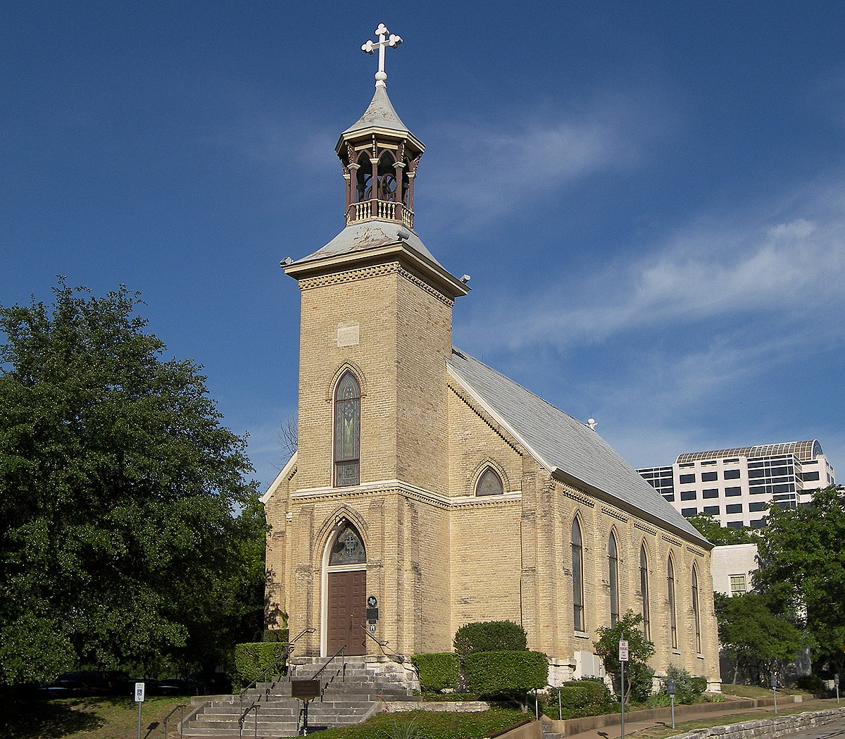 church lutheran gethsemane austin cathedral between anglican difference lutheranism calvinism texas protestant 2009 churches historic file catholic history wikipedia lutherans