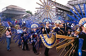 West End Festival - The 2002 parade heading through Glasgow Botanic Gardens