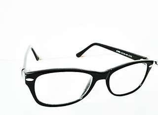 Glasses accessories that improve vision