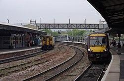 Gloucester railway station MMB 42 150245 170639.jpg
