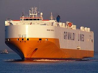 Grimaldi Group - Image: Grand Benelux Port of Antwerp 19 Sep 2005